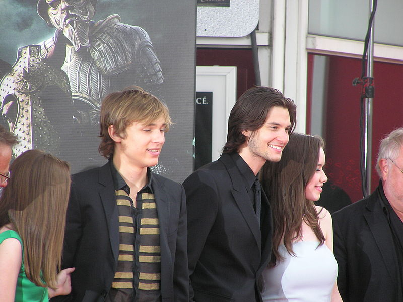 File:William Moseley, Ben Barnes & Anna Popplewell french premiere of The Chronicles of Narnia Prince Caspian.jpg