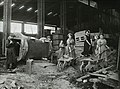 Women engaged in labouring work in dressing shop (15216375527).jpg