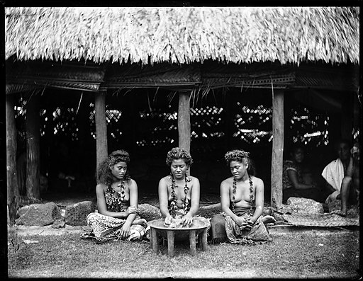 Young women and kava bowl, Samoa, ca. 1899-1940s