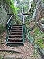 Zřícenina Kozlov-Chlum - schody 1.jpg
