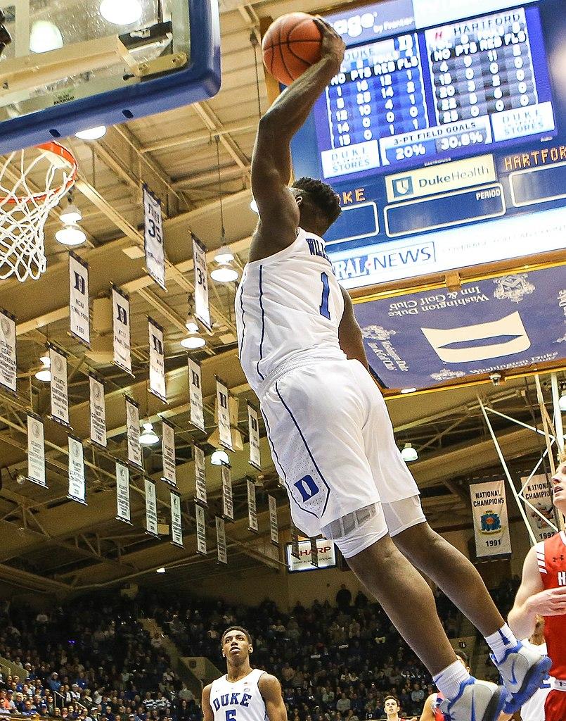 Zion Williamson prepares to dunk