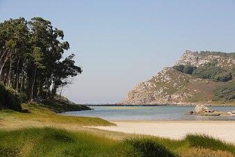 """Lago dos nenos"" Islas Cíes.jpg"