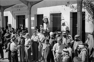 Iraqi Republic Railways - Germans, Norwegians, French-Syrian colonial officials and others at the train station in Tell Kotchek, 1940.