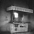 """""""Plaka"""" (železo pri štedilniku) in ognjišče z napo, Marinerka, Dekani 1949 (2).jpg"""