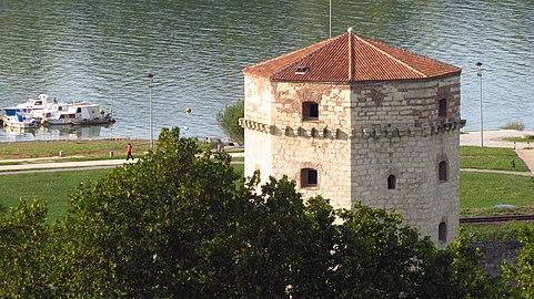 Београдска тврђава (кула Небојша).jpg