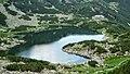 Равничалско езеро с хижа Белмекен - panoramio.jpg