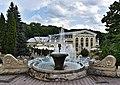 Смотровая площадка с видом на фонтаны и Театр-парк.jpg
