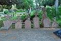 Шест надгробних споменика на Черетском гробљу.JPG