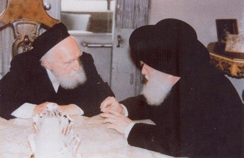 יב-הרהרב פינשטין יחד עם הרב שפירא