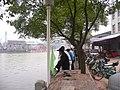 岸上观龙舟的人们 - panoramio.jpg