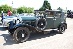 1928 Bentley Saloon at Toddington Railway Gala, 0513 8979023957.jpg