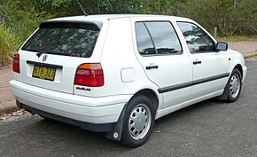 1996-1998 Volkswagen Golf (1H) CL 5-door hatchback 04.jpg