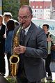2013-09-15 Gedenktafel Neue Synagoge Hannover (13) Thomas Zander, Saxophon.JPG