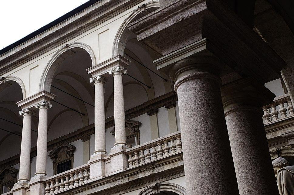 2014 02 13 14 09 50 Milano ITALY Pinacoteca di Brera loggia e colonnato del cortile Courtyard photo Paolo Villa FOTO3968