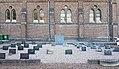 2016 Maastricht, Sint Pieter, kerkhof 01.jpg