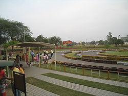 Il Vajra Go Karting, aperto anche ai civili, è una grande attrazione