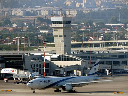 Ben Gurion International Airport 4X-ECC LLBG 09-05-2014b.jpg
