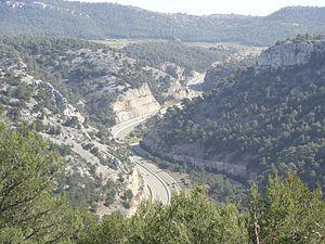 L'autoroute française A50 entre Aubagne et Roq...