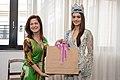 A Presidente do FUSSESP Lucia França recebe a Miss Mundo, Manushi Chhilar (41472867491).jpg