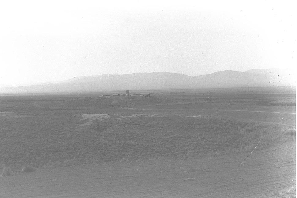 A VIEW OF KIBBUTZ KFAR RUPPIN IN THE BEIT SHEAN VALLEY. מראה כללי של קיבוץ כפר רופין בעמק בית שאן.