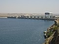 Abschließendes Kraftwerk am Assad Stausee (38674545462).jpg