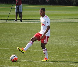Adams in 2009 als jeugdspeler van New York Red Bulls