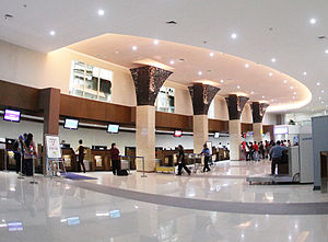 Adisumarmo International Airport - Image: Adi Sumarmo Interior