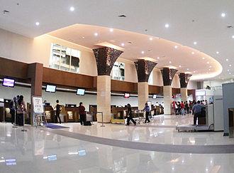Adisumarmo International Airport - Image: Adi Sumarmo Interior