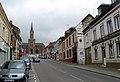 Ailly-sur-Noye église et rue principale.jpg