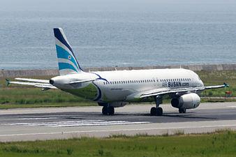 Air Busan, A320-200, HL7744 (19414271992).jpg
