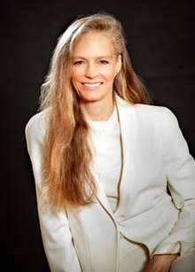 Suzy Amis - the beautiful, charming,  actress, model,   with English roots in 2020