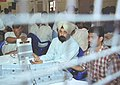 An Electoral Officer showing the EVM to the lensmen before the counting process began for New Delhi Parliamentary Constituency, in New Delhi on May 13, 2004.jpg