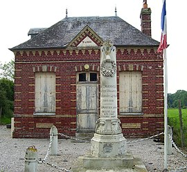 Old Town Hall and War Memorial