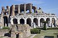 Anfiteatro Capua exterior.jpg