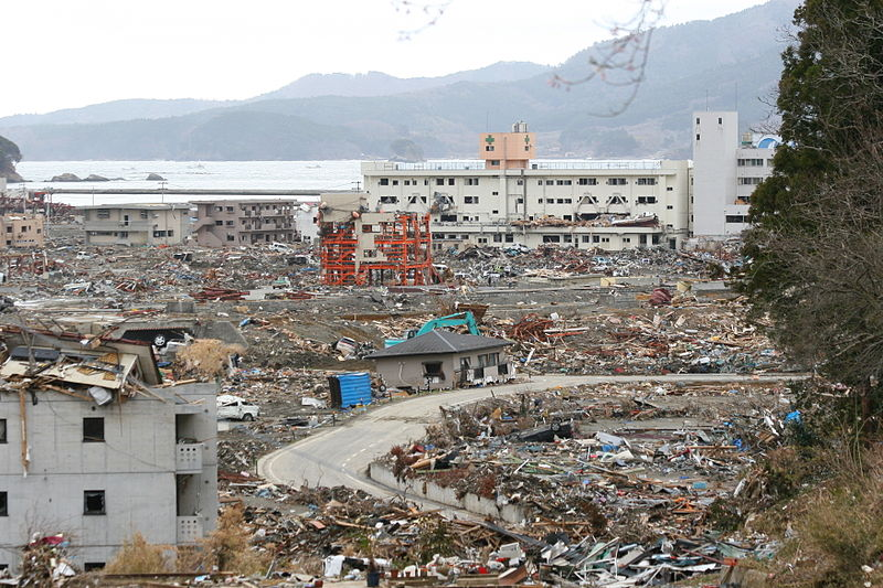 http://upload.wikimedia.org/wikipedia/commons/thumb/7/7b/Around_Shizugawa_Public_Hospital_in_Minamisanriku_after_tsunami_2.jpg/800px-Around_Shizugawa_Public_Hospital_in_Minamisanriku_after_tsunami_2.jpg