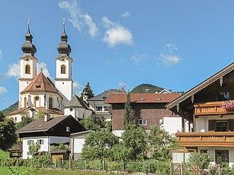 Aschau im Chiemgau - Image: Aschau im Chiemgau, die Kirche Maria Lichtmess 2012 08 07 10.17