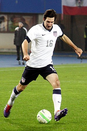 Sacha Kljestan - Kljestan playing for the United States in 2013