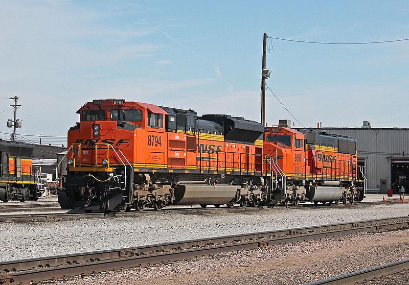 File:BNSF 8794 Lincoln, NE 10-19-14.JPG