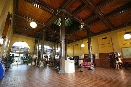 Ballarat railway station interior
