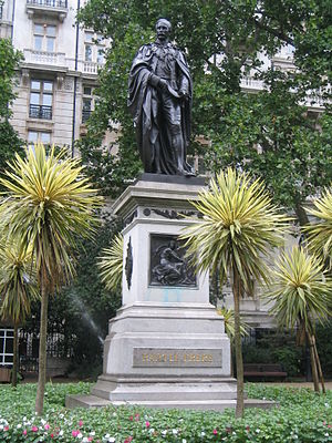 Statue of Henry Bartle Frere, London - The statue in 2005