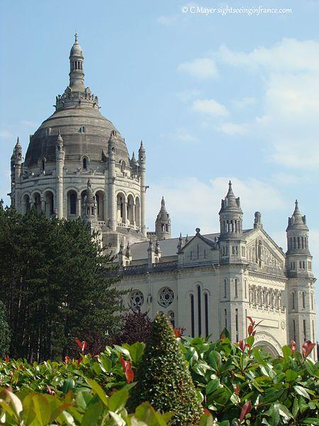 Basilique Sainte-Thérèse de Lisieux (Lisieux, Calvados)