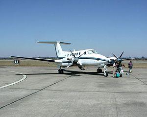 English: Beechcraft Super King Air, at Mfuwe a...