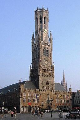 Rathaus und Rathausturm in Brügge