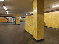 Berlin S- und U-Bahnhof Wuhletal (9494936601).jpg