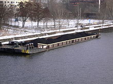 Berlin barge-ship 20050218 p1000706.jpg