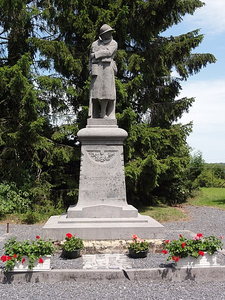 Bettrechies (Nord, Fr) monument aux morts