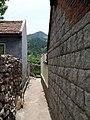 Between two homes - panoramio.jpg