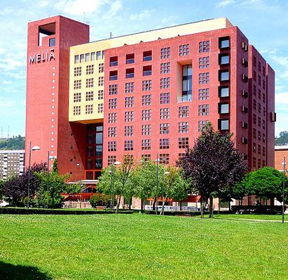 Cómo llegar a Hotel Meliá Bilbao en transporte público - Sobre el lugar
