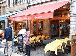 A bouchon, Le tablier (the apron), in Vieux Lyon.