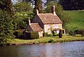 Bowood Lake and cottage - geograph.org.uk - 1253986.jpg
